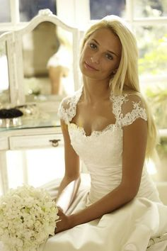 weddingdresses with a rustic flair | Good Style: Classic Bridal Lace