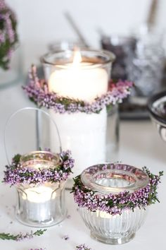 Nice idea – Heather wreath candle deco – found at amalielovesdenmar … – Wedding Flowers Bridal Shower Decorations, Wedding Decorations, Table Decorations, Pot Mason Diy, Mason Jars, Decoration Inspiration, Boho Inspiration, Deco Floral, Diy Décoration