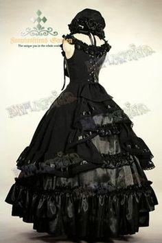 Grande robe de bal noire sans manches gothique aristocrate lolita