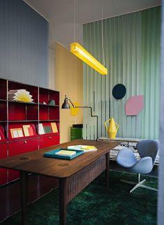 Happy Office, Happy Home! _ Spotti presents USM Modular Furniture .it 2013 _ Photo by Andrea Ferrari Lampe Gras Office Interior Design, Office Interiors, Interior Decorating, Elle Decor, Lampe Gras, Bureau Design, Das Hotel, Piece A Vivre, Milan Design