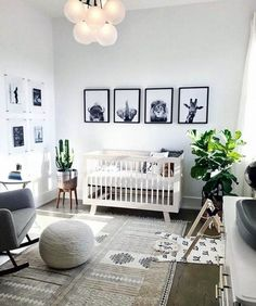 Great gender-neutral baby nursery design with neutral colors and lots of light - baby nursery inspiration room ideas neutral Baby Room Boy, Baby Room Decor, Nursery Room, Kids Bedroom, Teen Bedrooms, Bedroom Sets, Jungle Baby Room, Jungle Theme Nursery, Boho Nursery