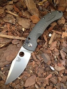 Benchmade Onslaught. Birthday...seriously! Want want want!!! BLACK blade though. This color, olive green, or black. In that order. June 28th!!!