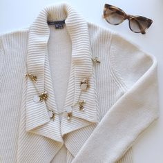 """{Vince} Shawl Cardigan NWOT Vince Shawl Cardigan in beige   • Size XS • Bust 17"""" (measured flat across) • Length 23.5"""" (back), 27"""" (front) • Retail $425 + tax • NWOT, bought at a sale price of $200 so there are tiny pilling  ❌ No trade ⭕️ Offers & Bundles Welcome  I follow all Poshmark rules  Instagram: Missoh_J Vince Sweaters Cardigans"""