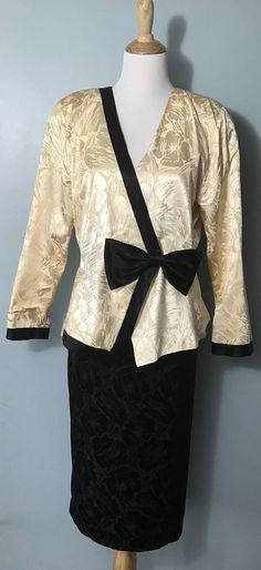 20800563a7761e 1980's does 1940's Black and Ivory White Two-Piece Dress with Big Bow at  Waist - Extra Large