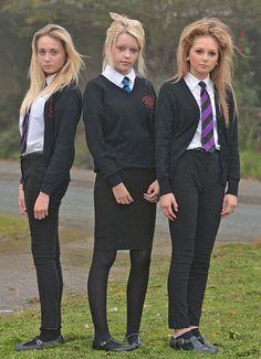 Headteacher makes schoolgirls 'feel fat over too tight trousers' School Uniform Uk, British School Uniform, Private School Uniforms, Private School Girl, College Uniform, Cute School Uniforms, Girls Uniforms, Women Wearing Ties, School Girl Dress