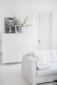 Texture It - These Minimalist Homes Are Giving Us Life - Photos