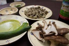 orecchiette al grano arso pesto zucchine funghi cardoncelli