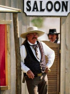 The Sunflower State blends rolling prairie, Western drama and city attractions.  BOOT HILL MUSEUM AND FRONT STREET, Dodge City, Ks.