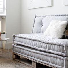 Handgemaakte en unieke matraskussens lounge 120x60 cm. Maak je loungebank met meerdere kussens van 120 cm naast elkaar. Gemaakt in Marokko.