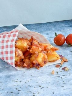 Italiaanse aardappeltjes – petraruns.nl Healthy Meals For Two, Healthy Dessert Recipes, Quick Easy Meals, Lunch Recipes, Vegetarian Recipes, Dinner Recipes, Italian Potatoes, Potato Side Dishes, Food Decoration