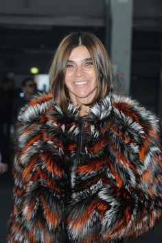 Carine Roitfeld Photos - Carine Roitfeld attends the Givenchy Menswear Fall/Winter Show as part of Paris Fashion Week on January 2014 in Paris, France. - Front Row at the Givenchy Show Carine Roitfeld, The Smoke, Fall Winter 2014, Front Row, Jon Snow, Givenchy, Fur Coat, Menswear, How To Wear