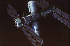 Former NASA manager Mike Suffredini says he wants to set up a private-sector outpost in low Earth orbit that would follow the International Space Station.