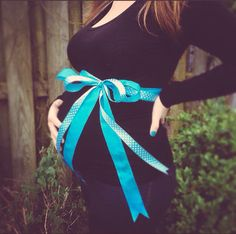 My gender reveal! Easy to do. Black shirt with a blue bow and daddy takes the picture! #baby #babyannouncement #genderreveal This is Nolan Alexander!
