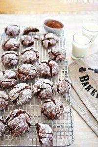 Gluten Free Chocolate Crinkle Cookies | MarlaMeridith.com