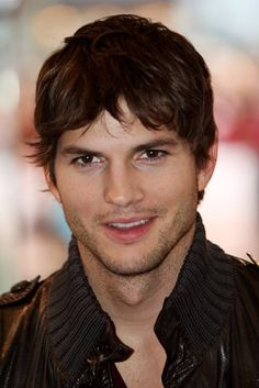ASHTON KUTCHER/hot/talent/hilarious..even tho ur a dbag