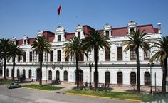 Antigua Escuela Militar (Museo Histórico y Militar de Chile) Chile, Pisa, Tower, Mansions, House Styles, Building, Travel, Beautiful, Castles