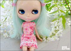 #blythe : Chirico near white flowers by MissBlythe