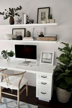 A minimal, Scandi-style home office with a white desk and chairs. (Modern decor house interior design, modern decor inspiration, modern décor office, minimalist home office desk inspiration. Cozy Home Office, Home Office Space, Home Office Desks, Apartment Office, Office In Bedroom Ideas, At Home Office Ideas, Small Office Decor, Modern Office Decor, Office Themes