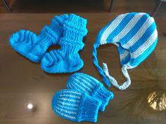 Kikun käsityöt: Vauvan aloituspaketti eli junasukat, kypärämyssy ja tumput vastasyntyneelle Baby Knitting Patterns, Knitting Socks, Crochet Bikini, Winter Hats, Tricot, Knit Socks