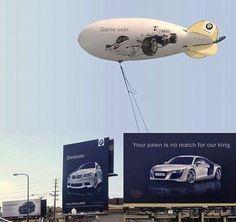 o przykład kampanii dwóch konkurencyjnych koncernów motoryzacyjnych. Warto się od nich uczyć, jak z klasą można konkurować .