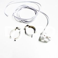 Kit 2 omegas y 1 conector cable