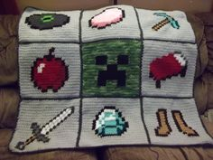 If I was to crochet this my kid would probably grow out of Minecraft long before I finished. But it sure is awesome! Minecraft Blanket, Minecraft Quilt, Minecraft Knitting, Minecraft Crochet, Minecraft Crafts, Steve Minecraft, Minecraft Room, Crochet Afghans, C2c Crochet
