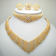 Wholesale Fashion African Beads Jewelry Set Nigeria Dubai Gold Jewelry India Cubic Zirconia Bridal Jewelry Sets - August 03 2019 at Gold Bangles Design, Gold Jewellery Design, Silver Jewellery, Dubai Gold Jewelry, Dubai Gold Bangles, India Jewelry, Luxury Jewelry, Gold Armband, Bridal Jewelry Sets