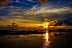Sundown at Hong Kong by Roby Wong on 500px