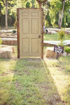 Awesome outdoor ceremony set-up