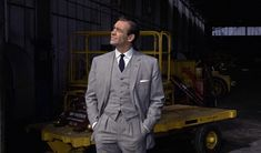 I absolutely agree with Matt Spaiser that this is the best Bond suit of them all. I'm a big fan of glen plaid.
