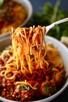 Slow Cooker Spaghetti Bolognese Sauce - The Chunky Chef Spaghetti Bolognese, Spaghetti Sauce, Slow Cooker Bolognese Sauce, Slow Cooker Spaghetti, Parmesan Meatballs, Crockpot Recipes, Pizza Recipes, Pressure Cooker Recipes, How To Cook Pasta