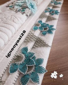 Thread Art, Needle And Thread, Bed Cover Design, Needle Lace, Bargello, Hand Embroidery Designs, Knitting Socks, Knitting Machine, Knitted Shawls
