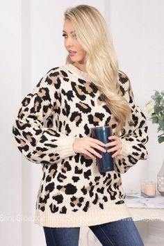 Butterbell Leopart Print Top Leopard Top, Beige Top, Complete Outfits, Animal Prints, Minimalist Fashion, Your Style, Scoop Neck, Long Sleeve, Model