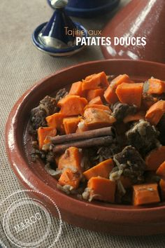 Beef meat stew with sweet potatoes Plats Ramadan, Couscous, Pot Roast, Poultry, Sweet Potato, Food And Drink, Homemade, Cooking, Ethnic Recipes