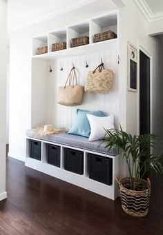 Let these mudroom entryway ideas welcome you home. Instantly tidy up and organize your hallway or entryway with industrial mudroom entryway. Small Apartment Entryway, Modern Entryway, Entryway Decor, Entryway Ideas, Hallway Ideas, Entryway Closet, Entryway Bench, Entryway Storage, Entrance Ideas