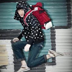 Red UNISEX's Contrast Color Oxford Backpack, Leisure Backpack,Cool School Backpack,Outdoor Backpack  Price:  $86.45          Color: Red      Gender: UNISEX (Women Men)      Material: Oxford      Method: zipper Closure      End Use: Classic,Lifestyle,Leisure Travel,School      Trend: Contrast Color,Circle Dot      Size: Big      Use: Backpacks,Handbag      Interior Structure: 1 Outside Pocket,1 Inside zipper Pocket,1 Phone Pocket,1 Passport Pocket      Dimension: 35.0*50.0*15.0 CM