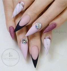 Marble stiletto nail designs are the design I want to introduce to you today. Marble nail art designs have been very popular in recent years. Stiletto shape is also one of the most popular nail shapes. If you try to combine the marble nails with th Gorgeous Nails, Love Nails, Pretty Nails, My Nails, Matte Nails, Pink Nails, Acrylic Nails, Matte Gold, Matte Black
