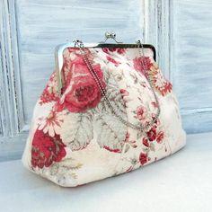 Vintage Style Frame Bag Sewing Pattern Instant by StudioCherie Bag Sewing Pattern, Purse Patterns Free, Bag Patterns To Sew, Handbag Patterns, Vintage Purses, Vintage Bags, Diy Vintage Purse, Vintage Clutch, Vintage Fabrics