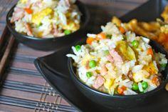 Avec les nems, le riz Cantonais doit être le plus connu des plats Chinois. Il est délicieux, facile à faire et ne demande que des ingrédients simples, alors vous n'aurez plus d'excuses …