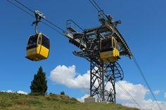 25 let od otevření první velkokapacitní dvoulanové lanovky (článek) #snowcz Lanai, Utility Pole, Travel, Mayrhofen, Singapore, Viajes, Destinations, Traveling, Trips
