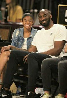 Kobe Bryant And Wife, Kobe Bryant Daughters, Kobe Bryant Family, Kobe Bryant Socks, Kobe Bryant Nba, Hip Hop Images, Basket Nba, Kobe Mamba, Kobe Bryant Pictures