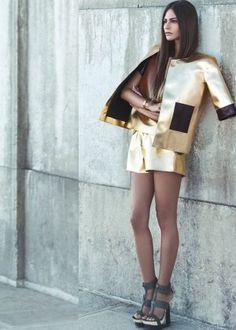 #women #fashion #trend #inspiration #style #metallic #silver #gold Metallic Heels, Aw17, Fashion Models, Fashion Trends, Golden Girls, Trending Now, Precious Metals, Mini Skirts, Street Style