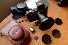 Leica D-Lux 4 with accessories