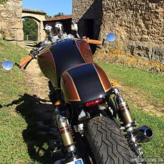 La Honda CB 750 Seven Fifty cafe-racer de Yannis...