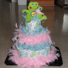 Diper Cake feathers