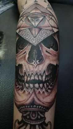 Jondix love his work can't wait for him to tattoo my hand in feb :) !