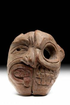 Museo Nacional de Antropología. Máscara de la dualidad. Preclásico medio.