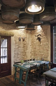 Beer barrel ceiling - Restaurant and Bar Design Awards Design Bar Restaurant, Café Restaurant, Restaurant Concept, Cafe Shop, Cafe Bar, Bar Design Awards, Lokal, Beer Bar, Cafe Interior