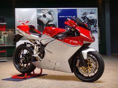 MV Agusta sắp có 3 mẫu xe 1000cc mới vào năm 2016