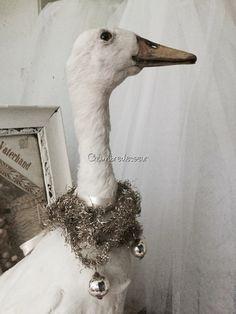Vintage taxidermy Gansgooseoiealt von Chambredecoeur auf Etsy